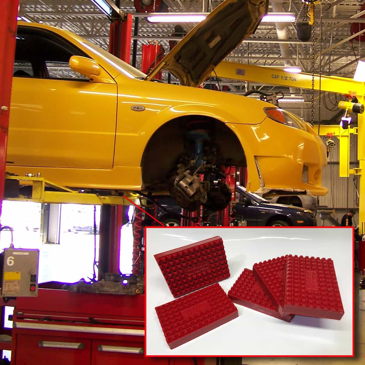 Pads for vehicle lifting - Car dealer